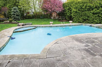 How to Hire a Pool Contractor?