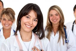 Why you need to hire emergency dentist? What is the role of top cosmetic dentists?