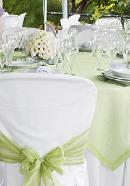Choose reliable wedding table supplier to get best services